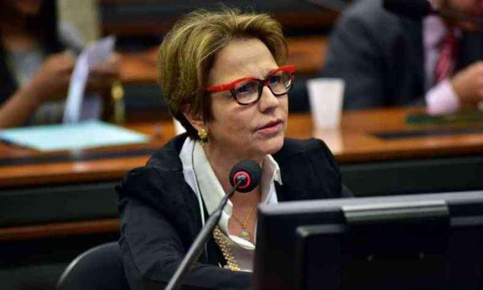 Deputada Tereza Cristina discursando na Câmara dos Deputados